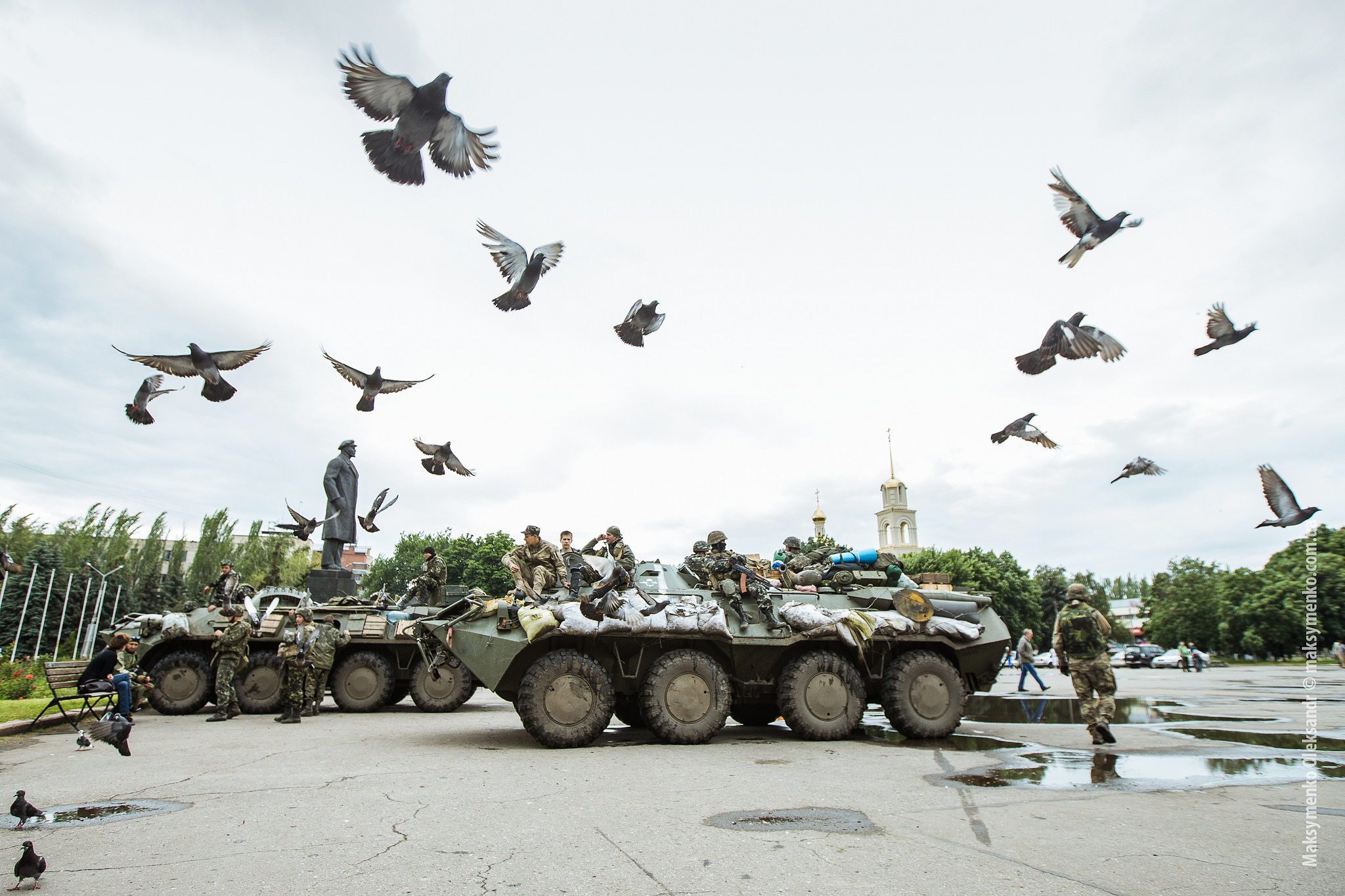 Ukrainean tanks taking up positions in the city of Slovyansk, Crimea, July 2008. Photo: Sasha Maksymenko (CC 2.0)