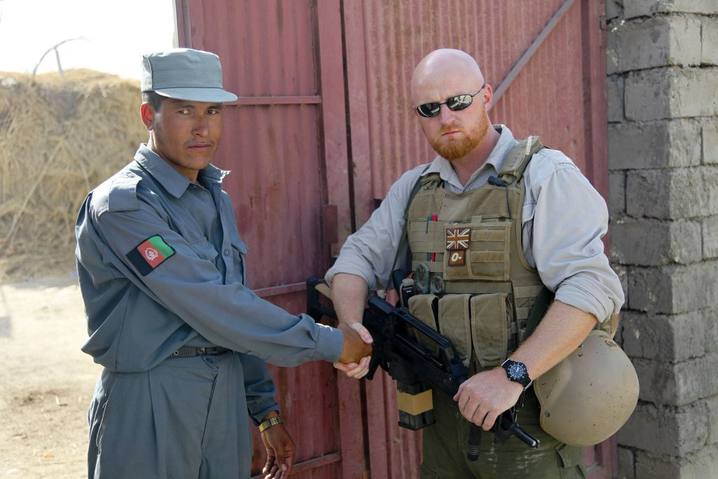 British_PMC_with_G36K_and_ANA_soldier