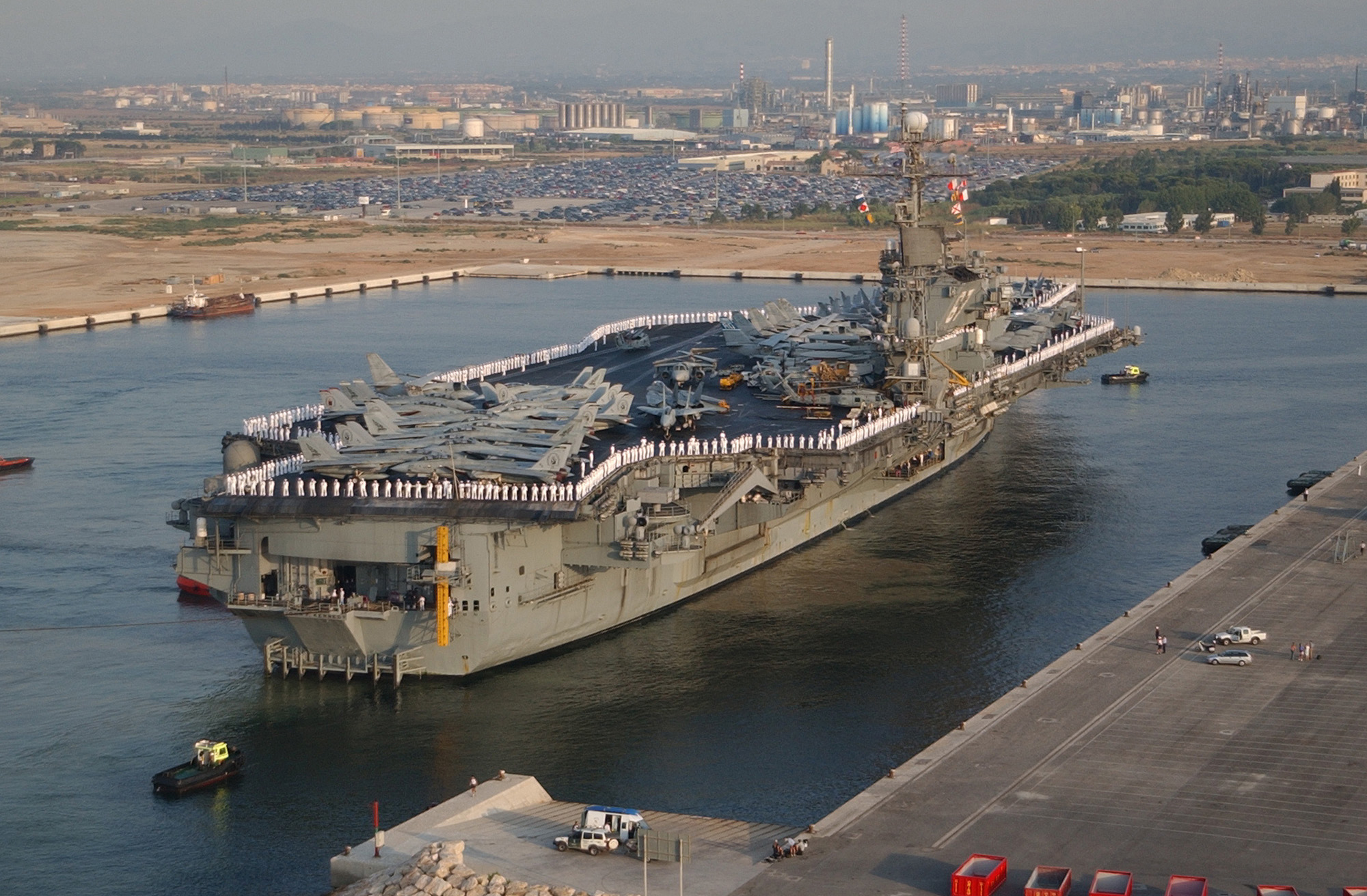 USS John Fitzerald Kennedy entering Tarragona Harbour in 2002. The city could be an alternative to Rota as a home port for the US Navy missile defence destroyers in the Mediterranean. https://www.flickr.com/photos/imcomkorea/3047221282/in/photolist-5DgNHY